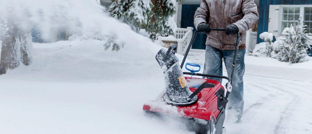 Почистване на сняг от Амакс 8 с бърза работа - 23