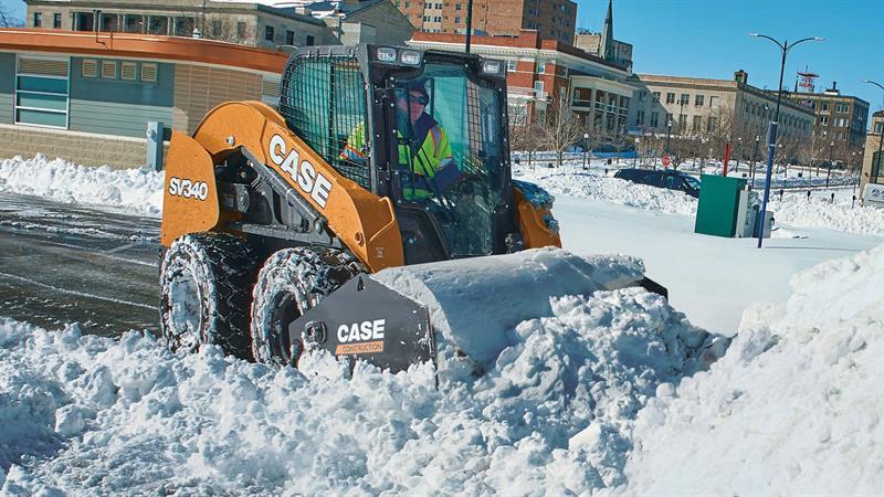 Почистване на сняг от Амакс 8 с бърза работа - 11