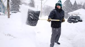 Почистване на сняг от Амакс 8 с бърза работа - 3
