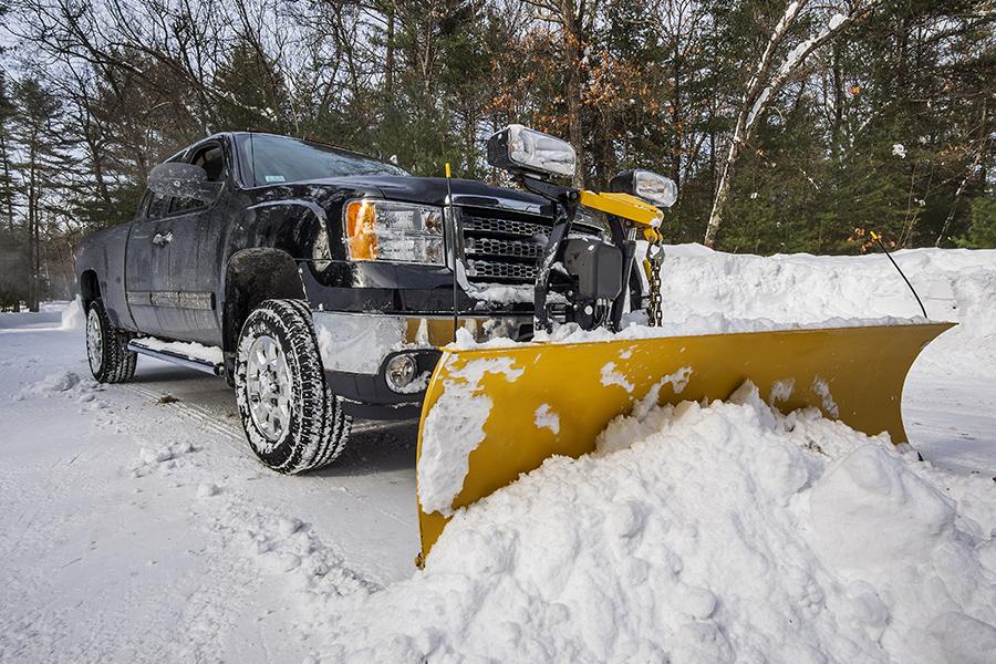 Почистване на сняг от Амакс 8 с бърза работа - 7