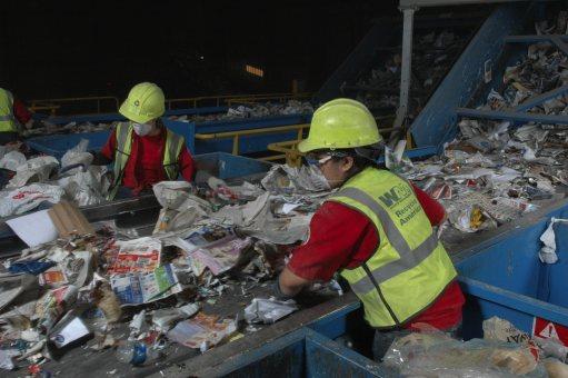 Разделно изхвърляне на отпадъци от Амакс 8 с добро качество - 15